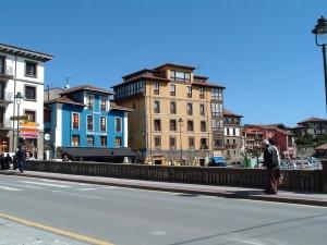 THIRTEEN-Asturian_town